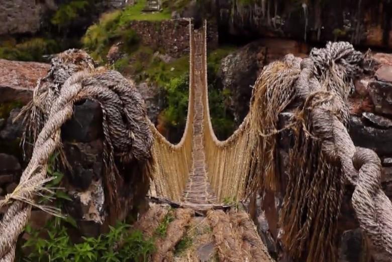 Jembatan Unik di Peru